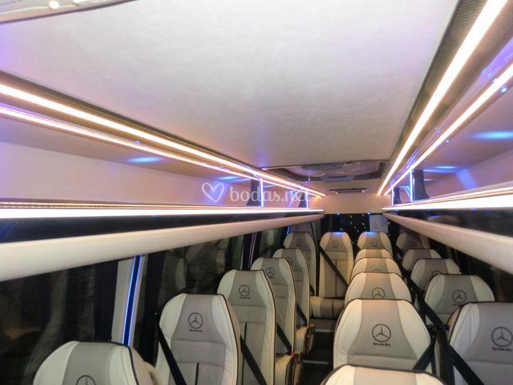 Mercedes Sprinter para hasta 17 personas