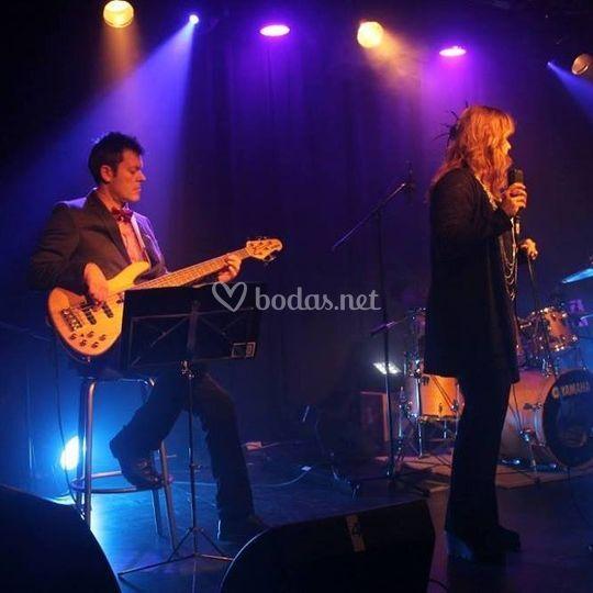 Bajista y cantante