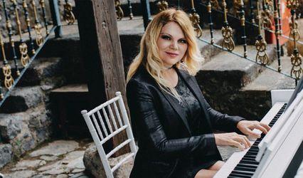 Elena Radzivil Sokirko - Pianista 1