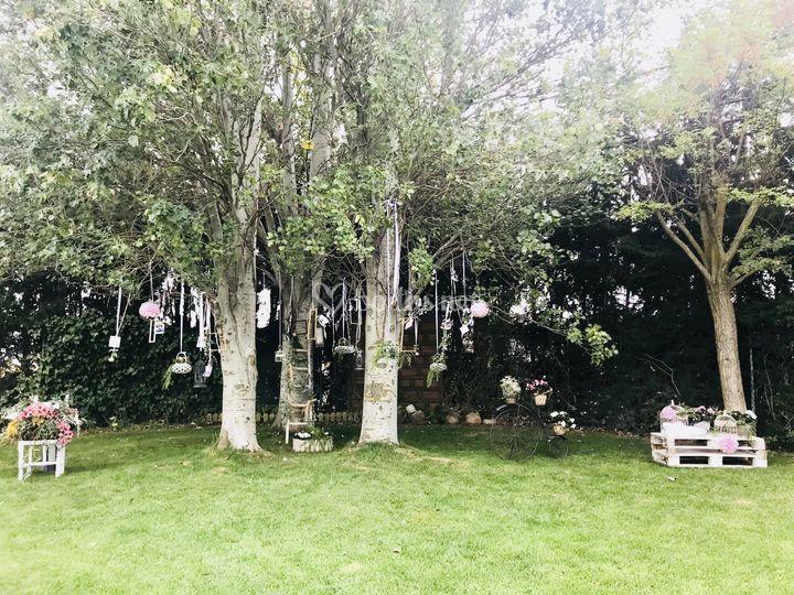 Decoración árbol jardín