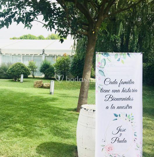 Entrada jardín bodas
