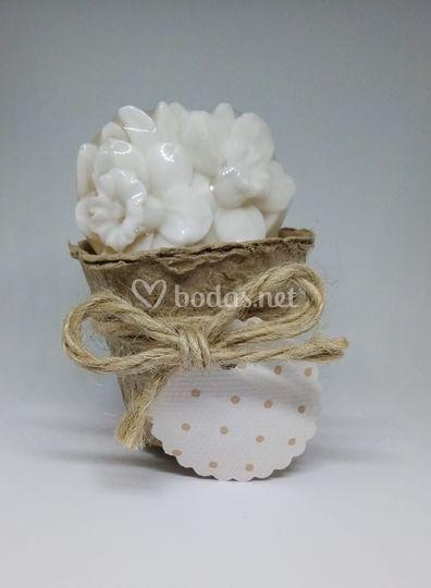 Maceta con jabón de jazmín