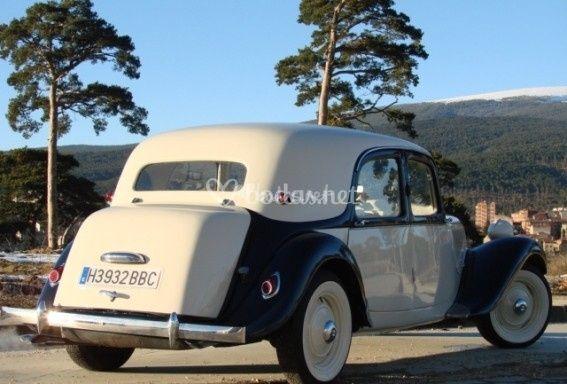 Citroën 11  (Año 1949)