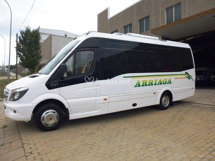 Microbús y autobús