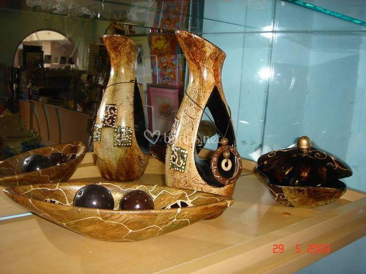 Joyero, jarrón y canoa de cerámica