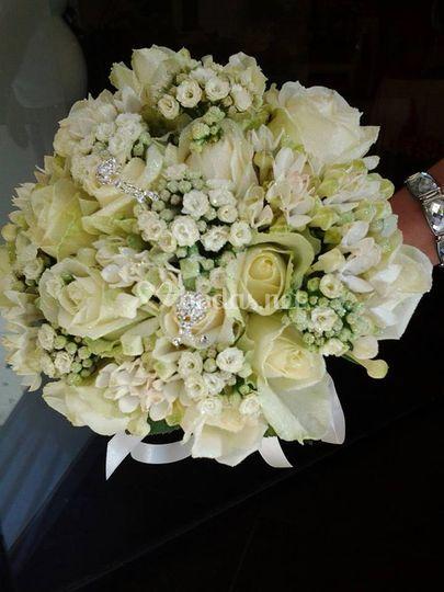 Bouquet rosas y bouardia