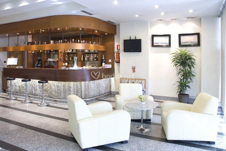 Lobby bar hotel parquesur 4*