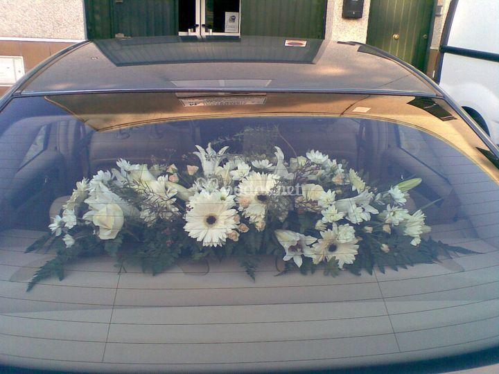 4 lazos + flores 40€