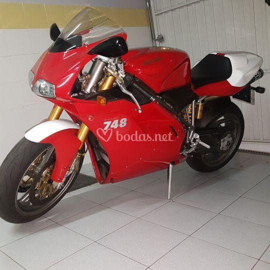 Ducati 748R