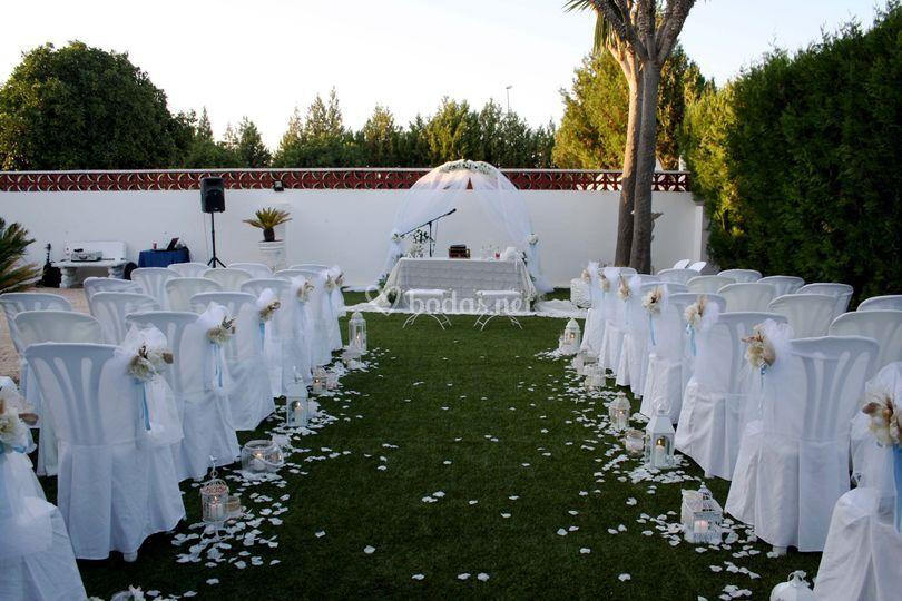 Ceremonia civil en jardín