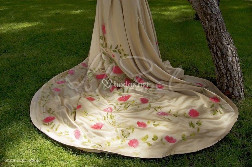 Vestidos de novia y detalles pintados a mano