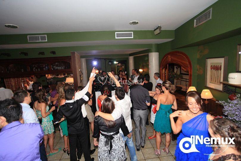 Invitados partícipes del baile
