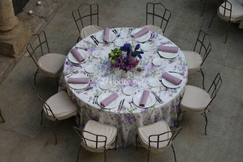 Detalle de boda en el claustro