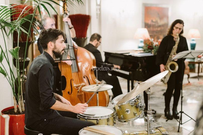 Mr. Swing jazz band saxo
