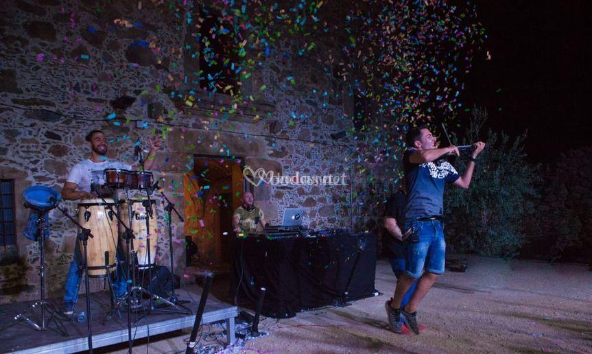 Violín y percusión show