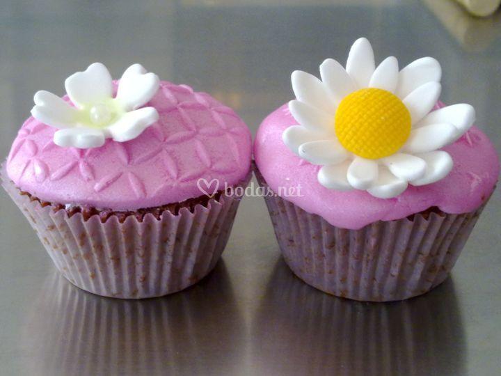 Cupcakes con fondant y pasta de goma