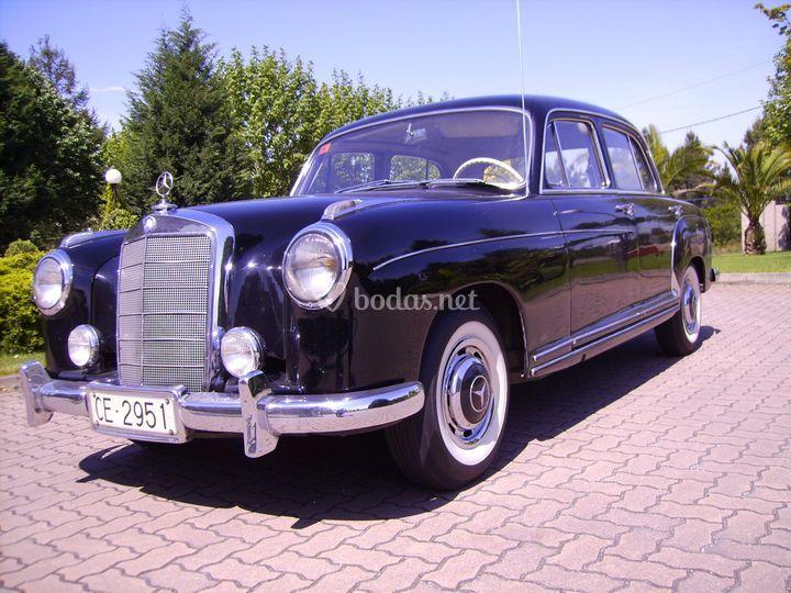 Mercedes clásico 220
