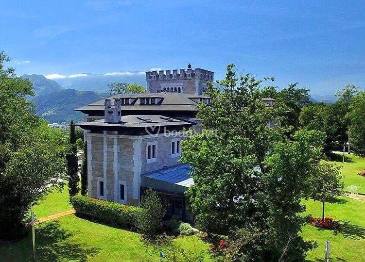 Castillo Frente al Aramo