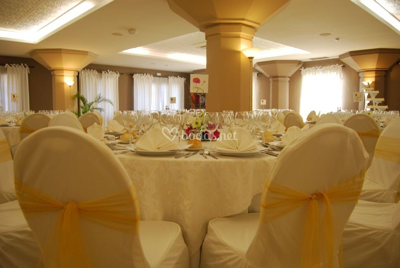 Detalle mesa banquete