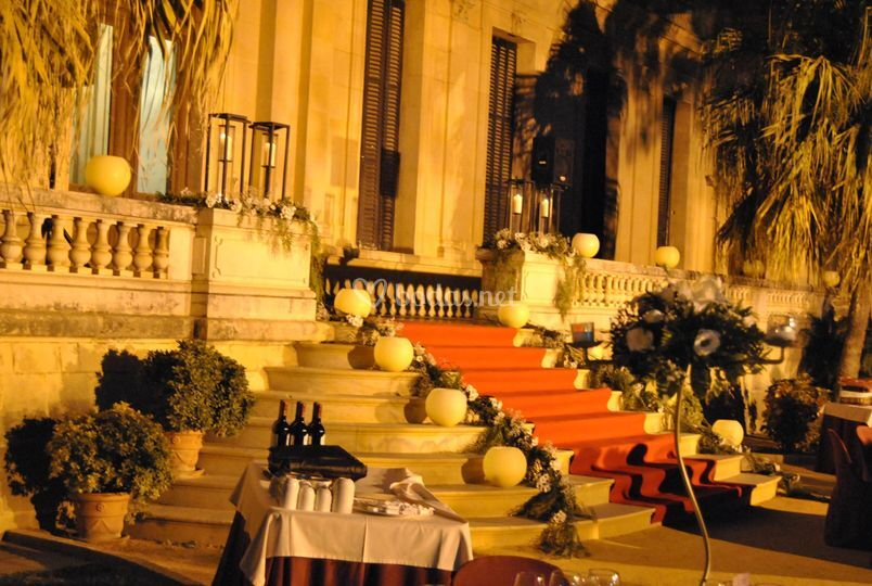 Cena a pie de palacio