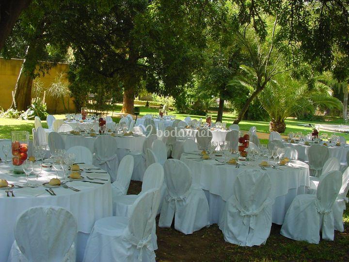 Almuerzo jardines de real escuela andaluza del arte for Jardines pequenos para escuelas