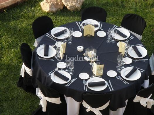 Mesa de boda en Negro   Blanco