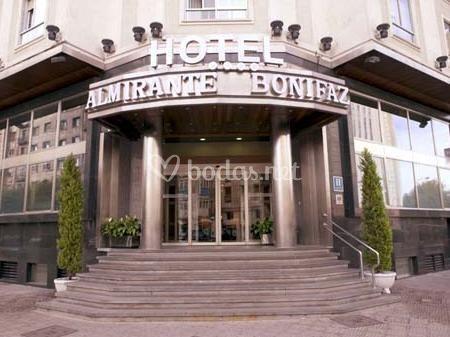 Entrada Hotel Almirante Bonifaz
