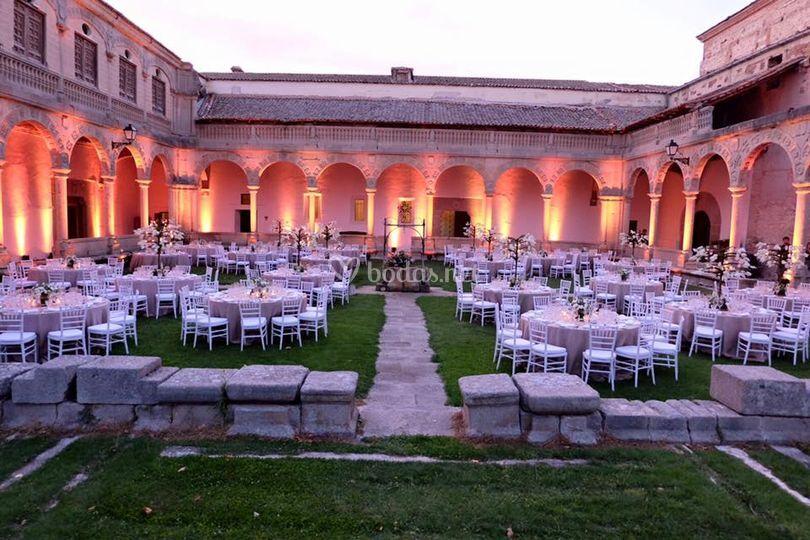 Claustro cena de Abadía de Párraces
