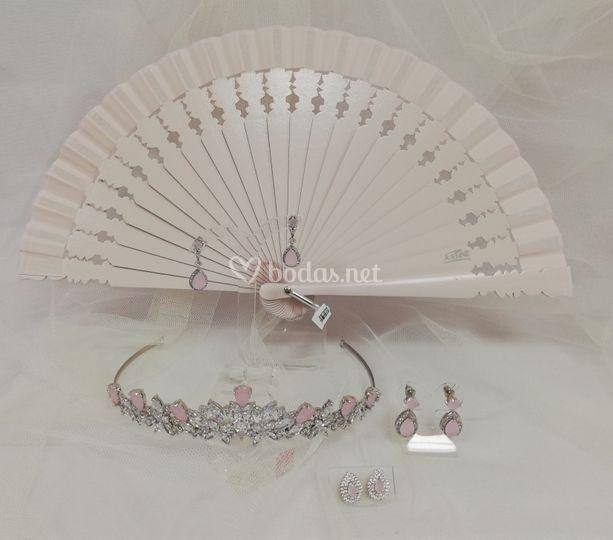 Tiara de rodio y cristal de cuarzo rosa