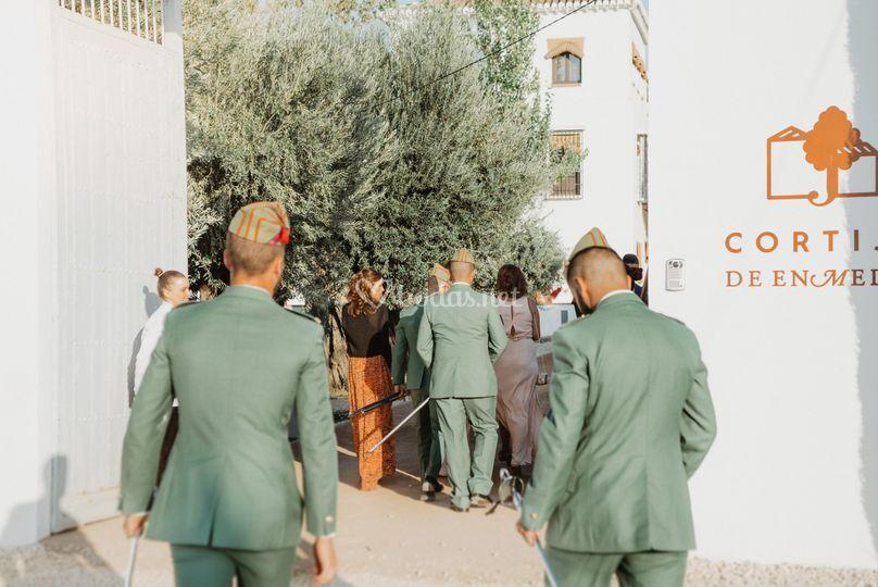 Los invitados van llegando