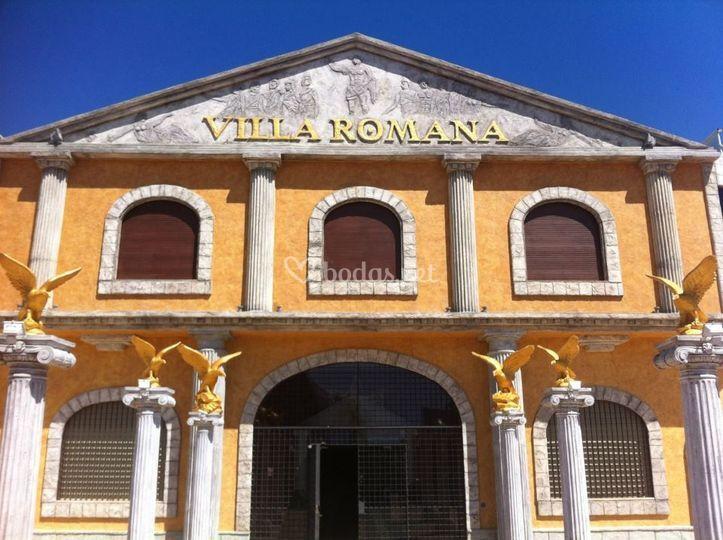Fachada de villa romana