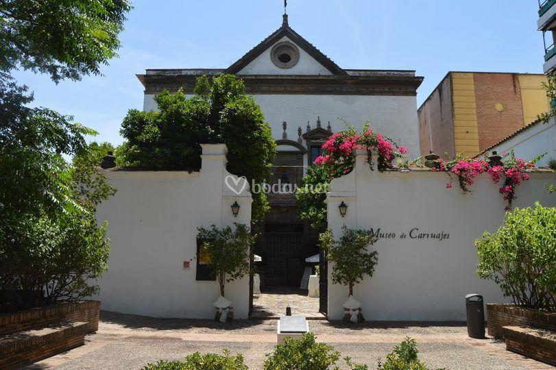 Exterior del Museo de Carruajes