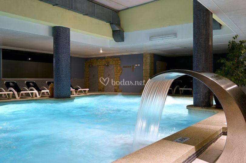 Cabogata garden for Precio piscina climatizada