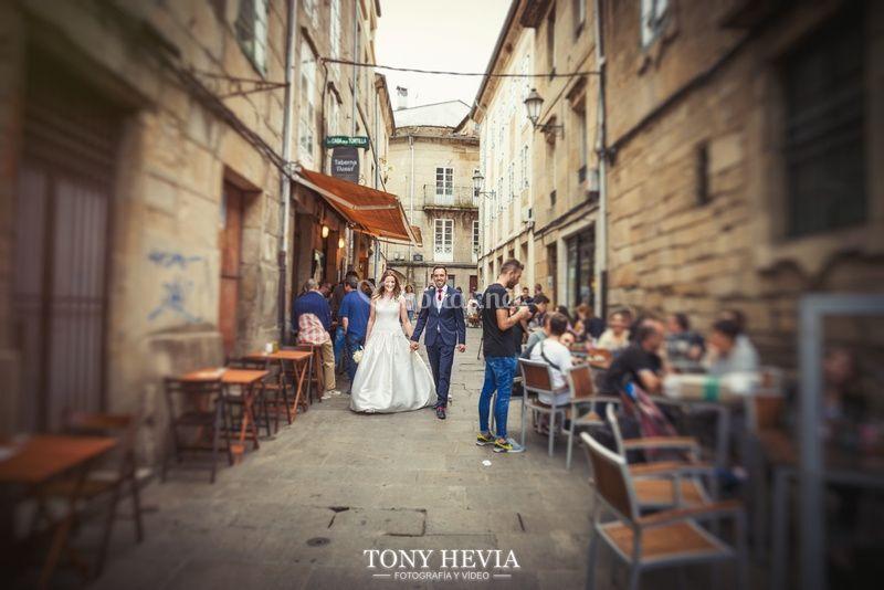 Tony Hevia ©