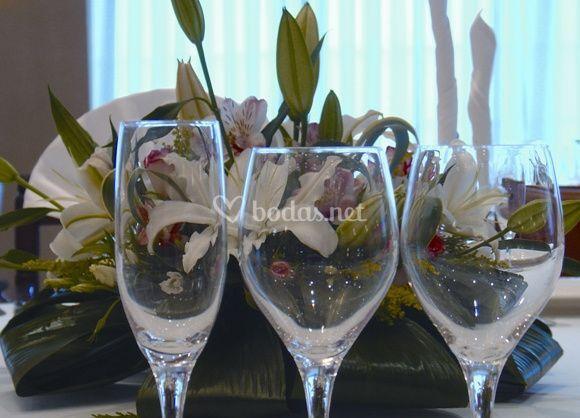 Copas y arreglo floral