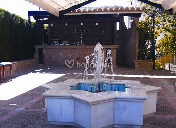 Restaurante rossinyol - Fuentes para terrazas ...
