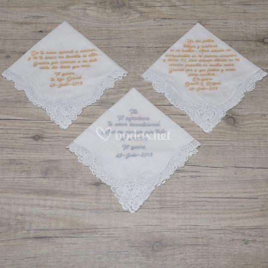 Pañuelos bordados con frases