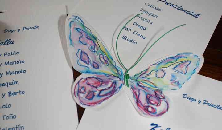 Meseros primaverales: mariposa