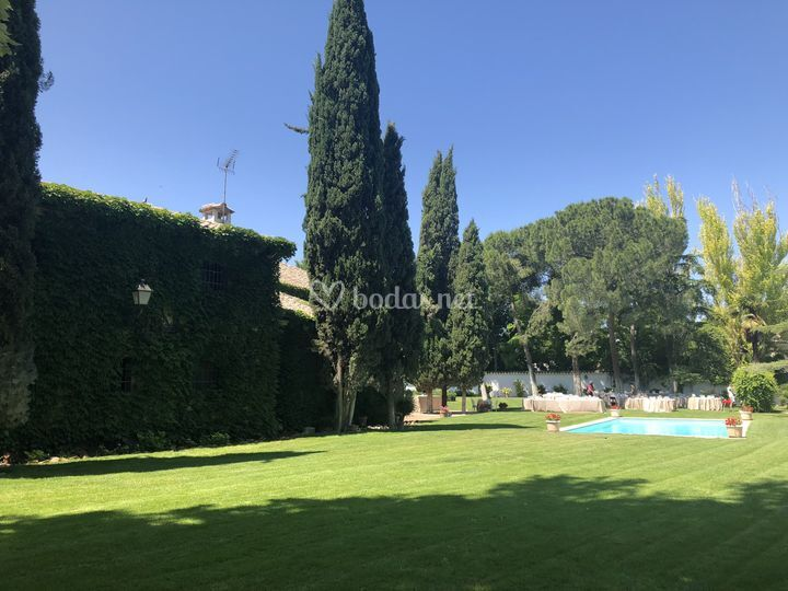 Jardín más de 6000 m2