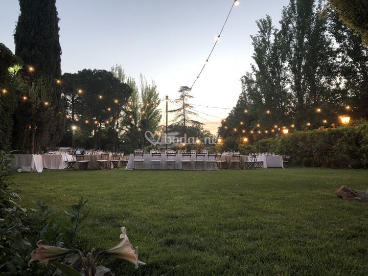 Cena jardín