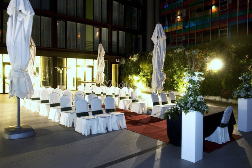 Ceremonia en el jard n vertical de jardines de uleta foto 5 for Jardines de uleta