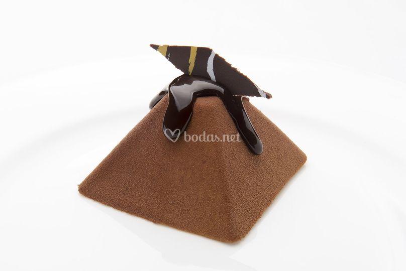 Pirámide de tres chocolates