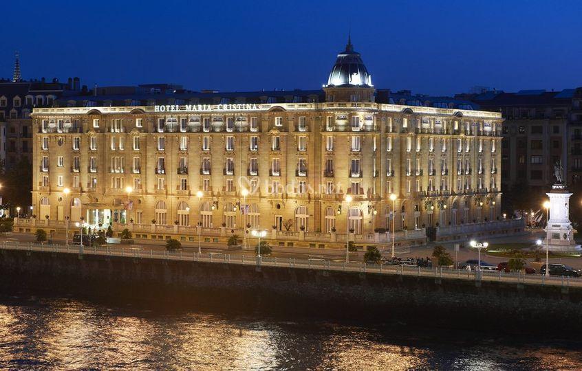 Fachada Hotel Maria Cristina