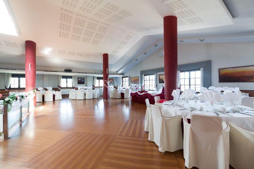 Salón imperial para 200 personas