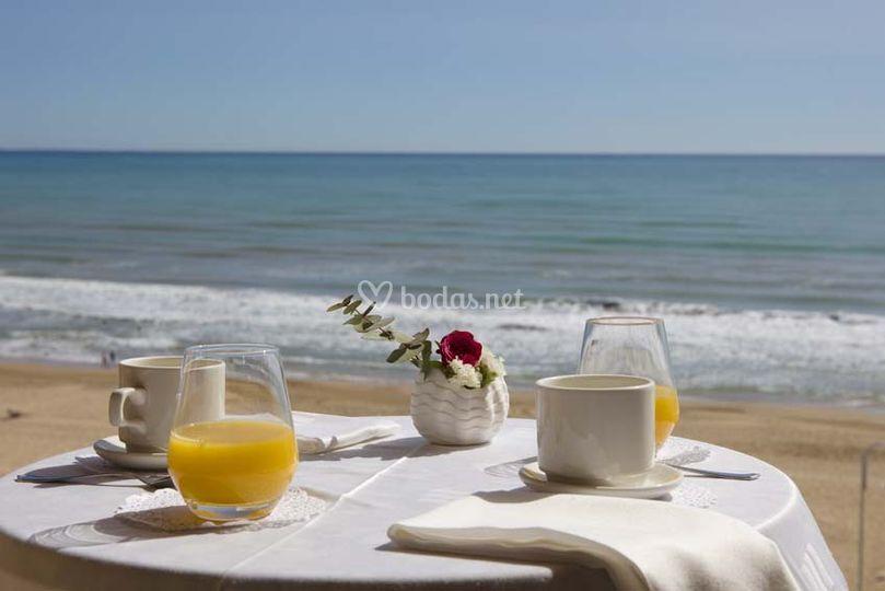 Desayunos frente al mar