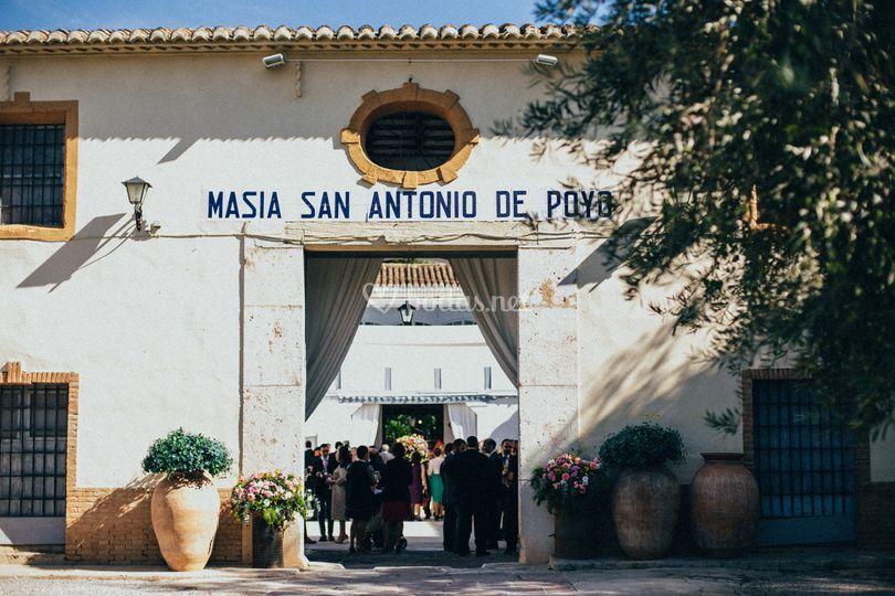 Entrada masía de Masía de San Antonio de Poyo-Catering Cinco
