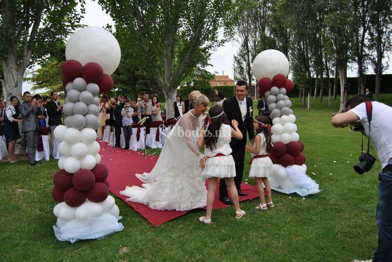 Columnas de globos, boda civil