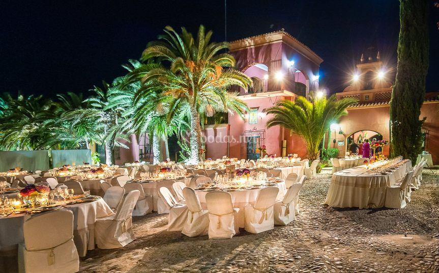 Banquete en el patio exterior