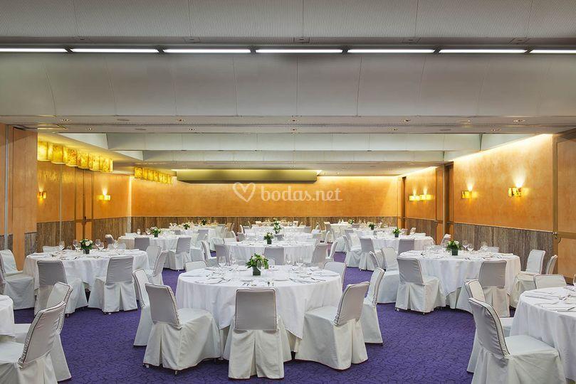 Salón boda en blanco