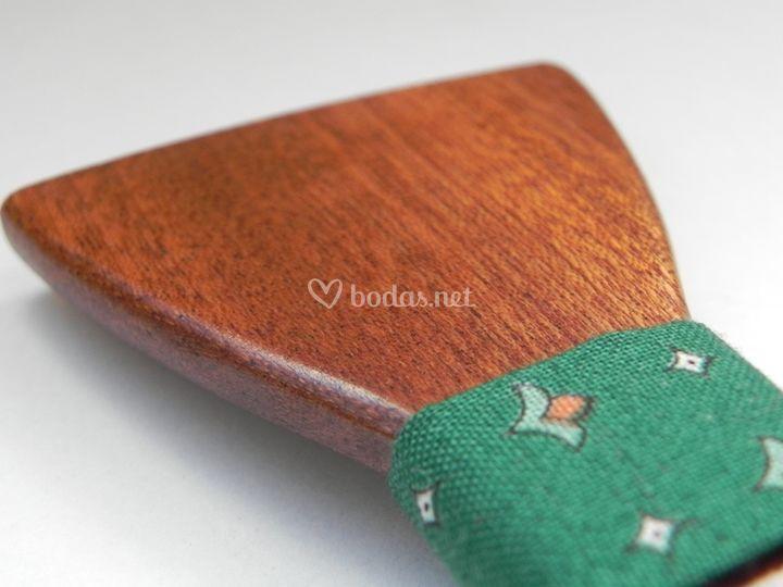 Madera sapelli - tela verde